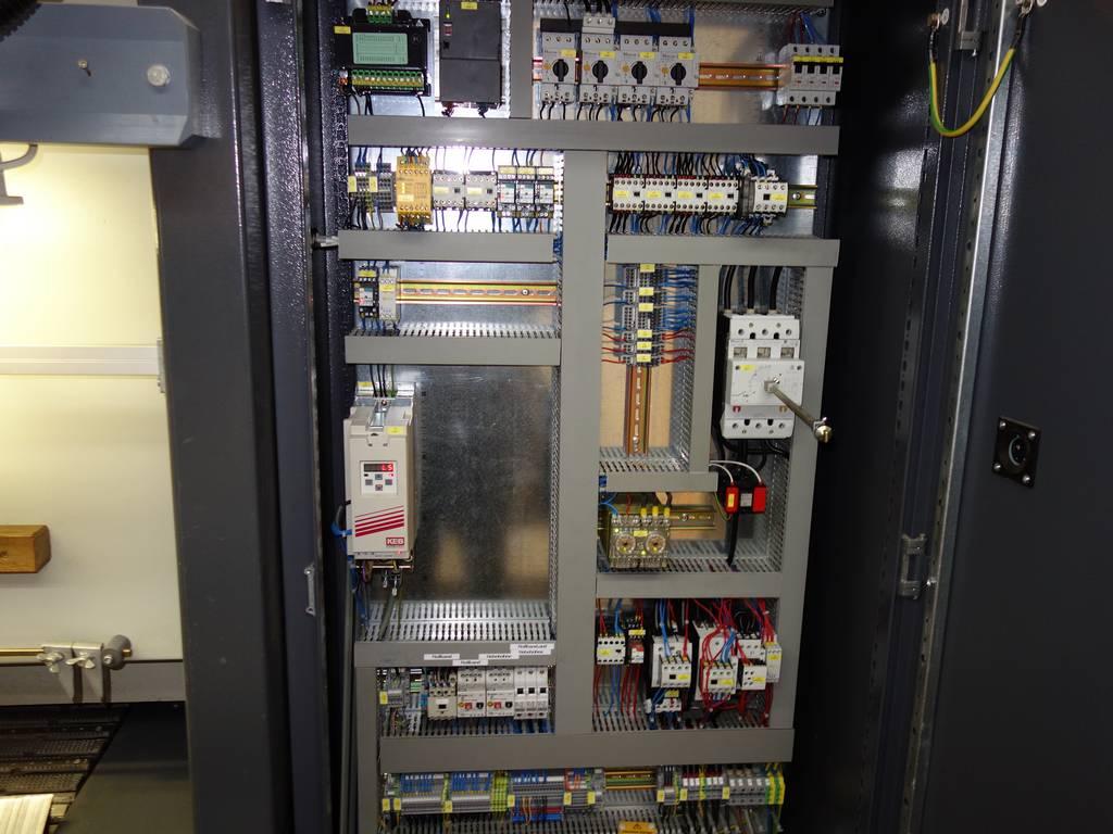 DSCO_1282_Elektroschrank.jpg